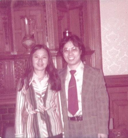 1973年,于金山夫婦在中美聯誼會二樓留影。(于金山提供)