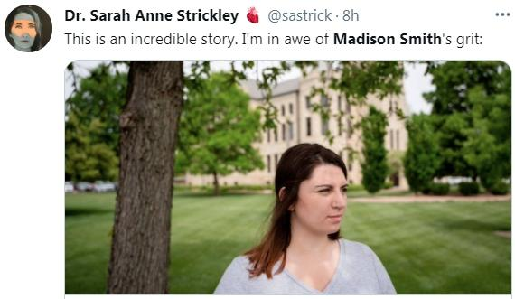 堪薩斯州大學生麥迪遜·史密斯三年前遭同學強暴,但檢察官以她未在對方強暴時「說不」,堅拒提控;史密斯尋求公民連署並自行召集大陪審團。(取自推特)
