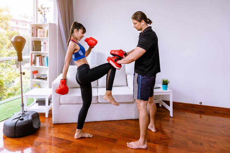 平时和亲人朋友练习一下防身术,有助于危急时刻发挥。(Getty Images)