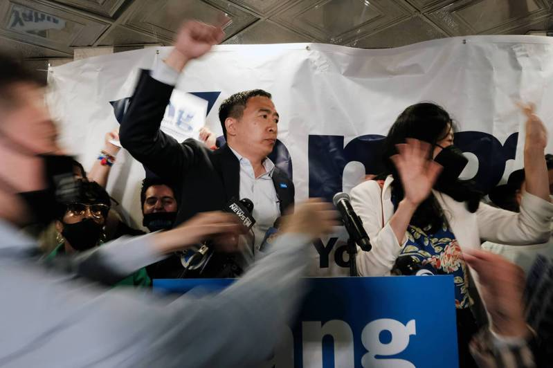 为免遭示威夹击,近日来杨安泽竞选活动最后一刻才通知地点。(Getty Images)