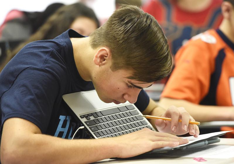 技術教育包括電腦和數據處理、工程和通信技術。(美聯社)
