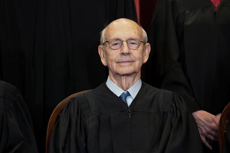 83歲的自由派大法官布萊爾回應外界要他退休的聲音時,坦言自己雖然還沒有要退休,但「不想死於任內、也不想永遠留任」。(美聯社)