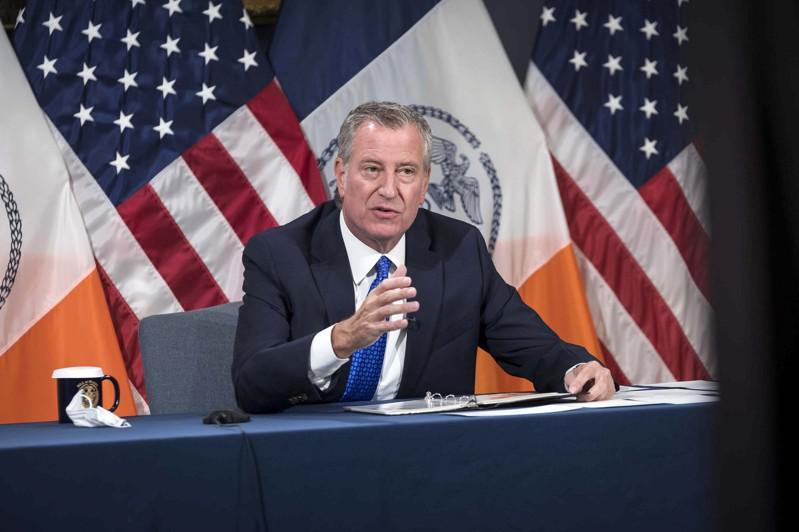 市调查局报告指出,市长白思豪和家人涉嫌滥用市警总局资源。(市长办公室提供)
