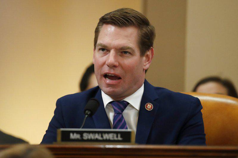 东湾联邦众议员史沃威尔表示,中国女间谍的报导是为了抹黑他。(美联社)