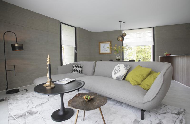 这栋3D列印平房占地面积28坪,内有2间卧室。图为起居室。(美联社)