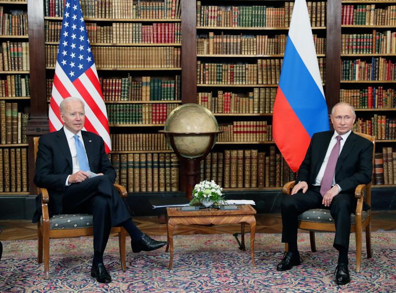 拜登與普亭在日內瓦將舉行半天的密室會談。(美聯社)