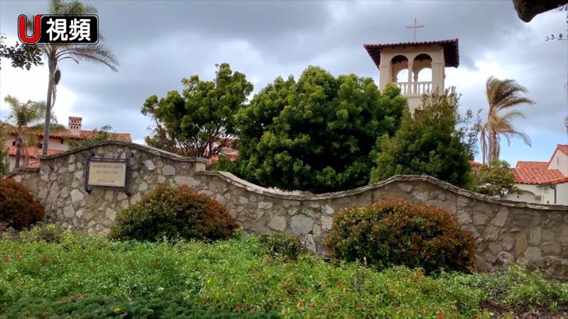 在陡峭海岸上有个邻家教堂。 (萧爱提供)